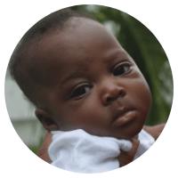 La survie de milliers de bébés comme la petite Sofia dépend du bon fonctionnement des services de maternité et de néonatologie de l'hôpital Saint-Damien.