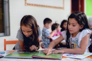 Lorsqu'ils arrivent chez nous, beaucoup d'enfants n'ont pas été suffisamment scolarisés.